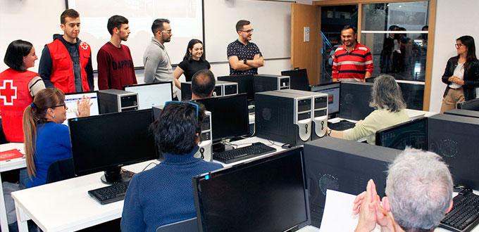 Escuela de Informática de Segovia y Cruz Roja - Foto: El Adelantado